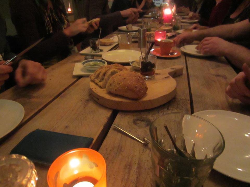 brood humus en olijven